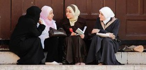 muslim-women-talking